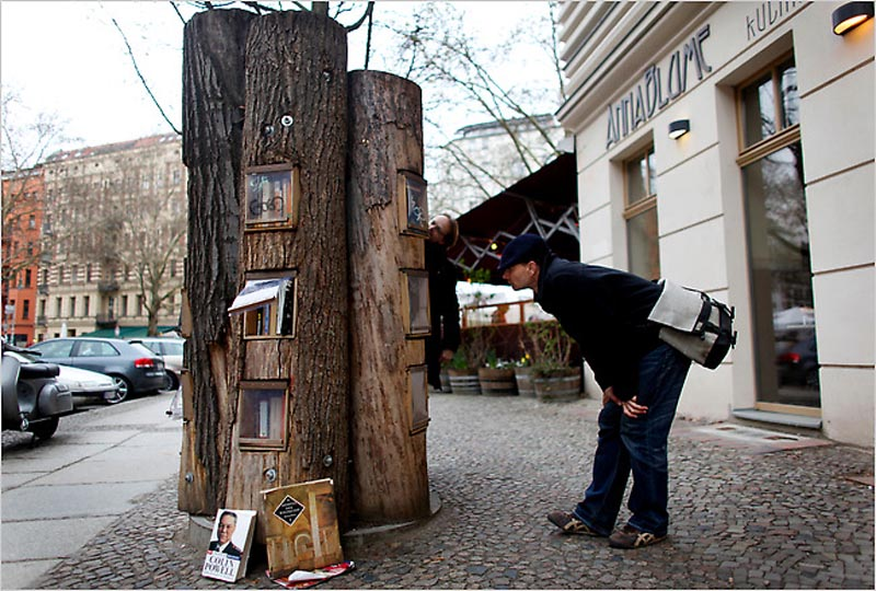 book forest bookshelf trees in berlin 1 next conference. Black Bedroom Furniture Sets. Home Design Ideas