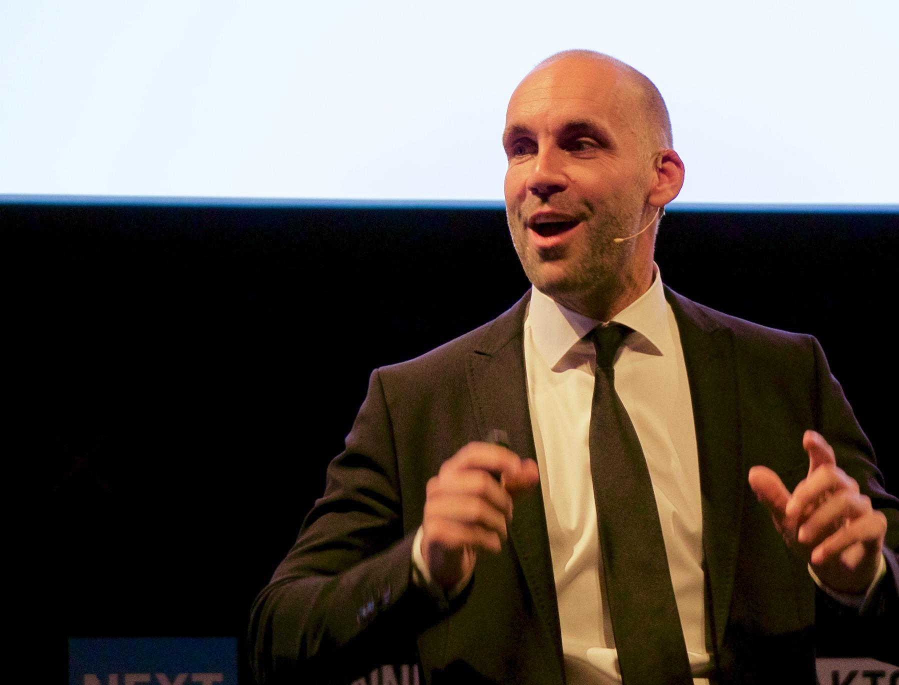 Richard van Hooildonk