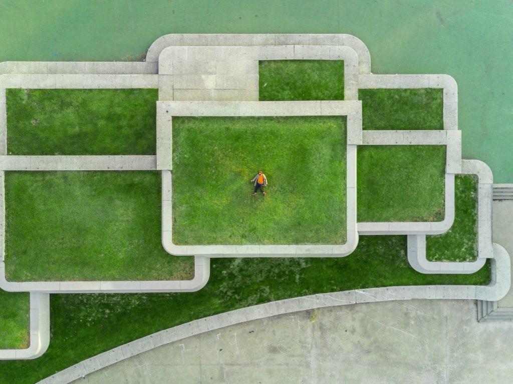 "Green roofs: <span>Photo by <a href=""https://unsplash.com/@safesolvent?utm_source=unsplash&utm_medium=referral&utm_content=creditCopyText"">Martin Reisch</a> on <a href=""https://unsplash.com/s/photos/green-buildings?utm_source=unsplash&utm_medium=referral&utm_content=creditCopyText"">Unsplash</a></span>"